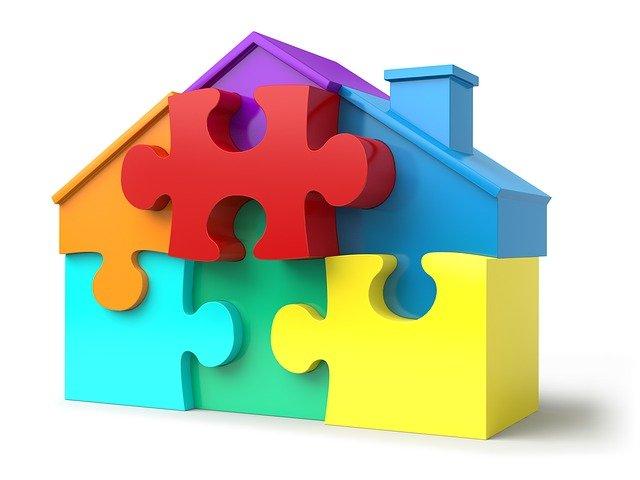 dílky puzzle na dům