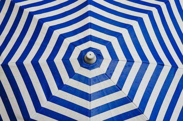 pruhovaný deštník