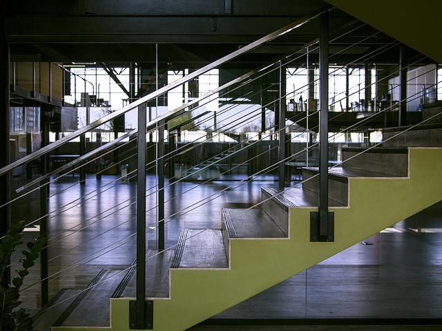 Moderní interiér v komerčním domě.jpg