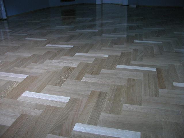 krásná opravená podlaha – parkety světlé