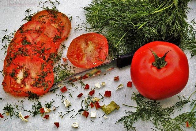 zelenina a nůž