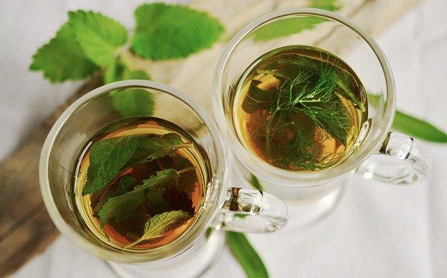 čaj z bylinek.jpg