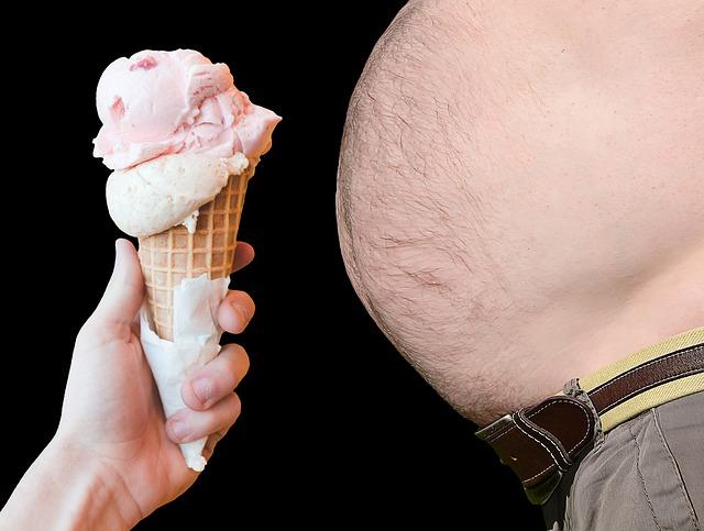 obézní muž trpící cukrovkou